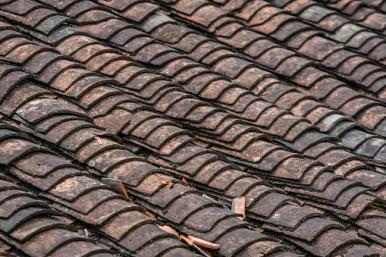 Pokrycie dachowe z azbestem.