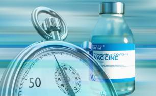 Grafika: na niebieskim tle fiolka szczepionki przeciw COVID-19, na pierwszym planie stoper